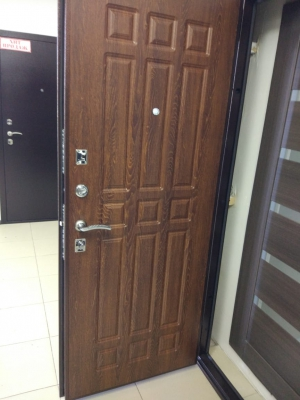Входная дверь Снедо Кантри Дуб коньяк